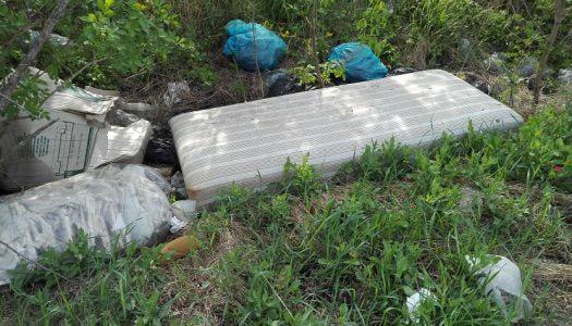 Illegális hulladék Verpelét és Domoszló között