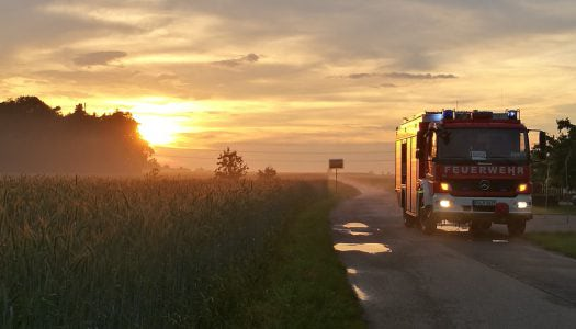 Gabonaszállító tehergépjármű gyulladt ki