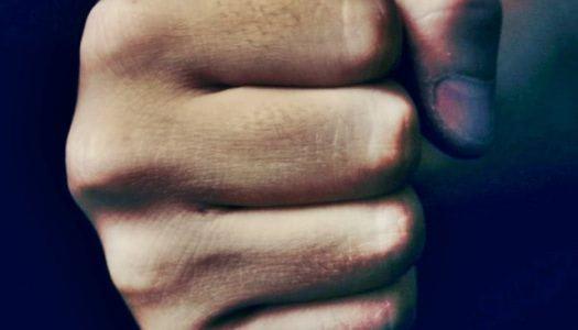 Focimeccsen okozott életveszélyes koponyasérülést a 15 éves helyi vagány