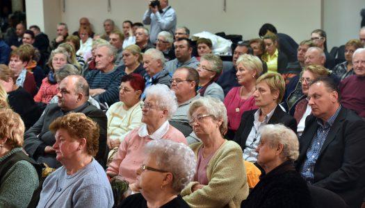 Lakossági fórum Pétervásárán a Soros-tervről