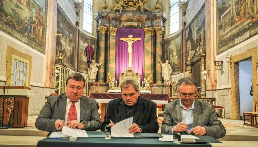 Aláírták a nagytemplom tornyainak felújításáról szóló szerződést